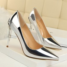 2019 new fashion sexy metal with women s shoes stiletto high-heeled shallow  mouth pointed patent leather was thin single shoes. 80653c893a47
