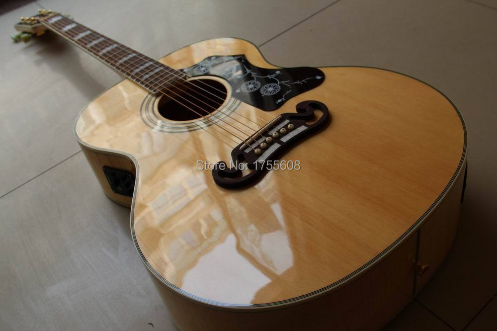 купить Natural Acoustic Electric Guitar SJ200 AAA Solid spruce Back / Side AAA Maple In Top Quality Fishman Free Shipping 120419 онлайн