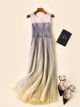 купить Europe and America women mesh pleated dress 2019 summer runways brand new sleeveless maxi dress Chic elegant party dress A430 по цене 5600.63 рублей