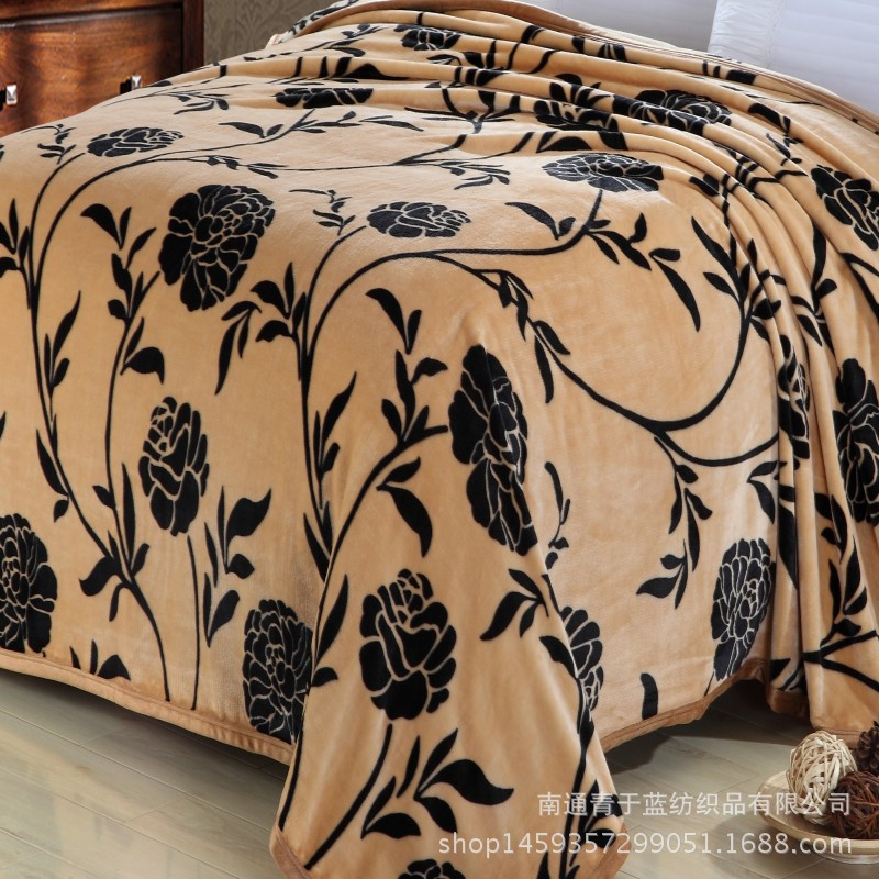 table photos best comforter blanket blankets awesome of gratograt throw most inspirational the comfortable in to designs