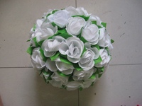 40cm white plastic center with green leaves wedding kissing flower ball party backdrop table center pieces decorative flowers
