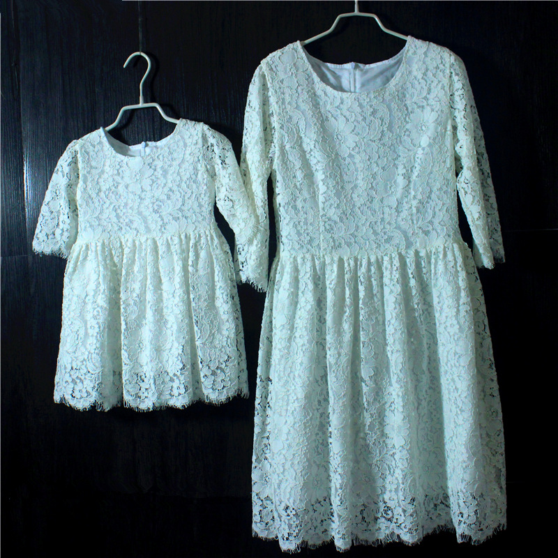 Brand white lace plus large size pleated mother and girls dresses family look party skirts pregnant women children Formal dress brand spring summer pink green sleeveless pleated large size skirts infant sundress daughter mother and girls family look dress