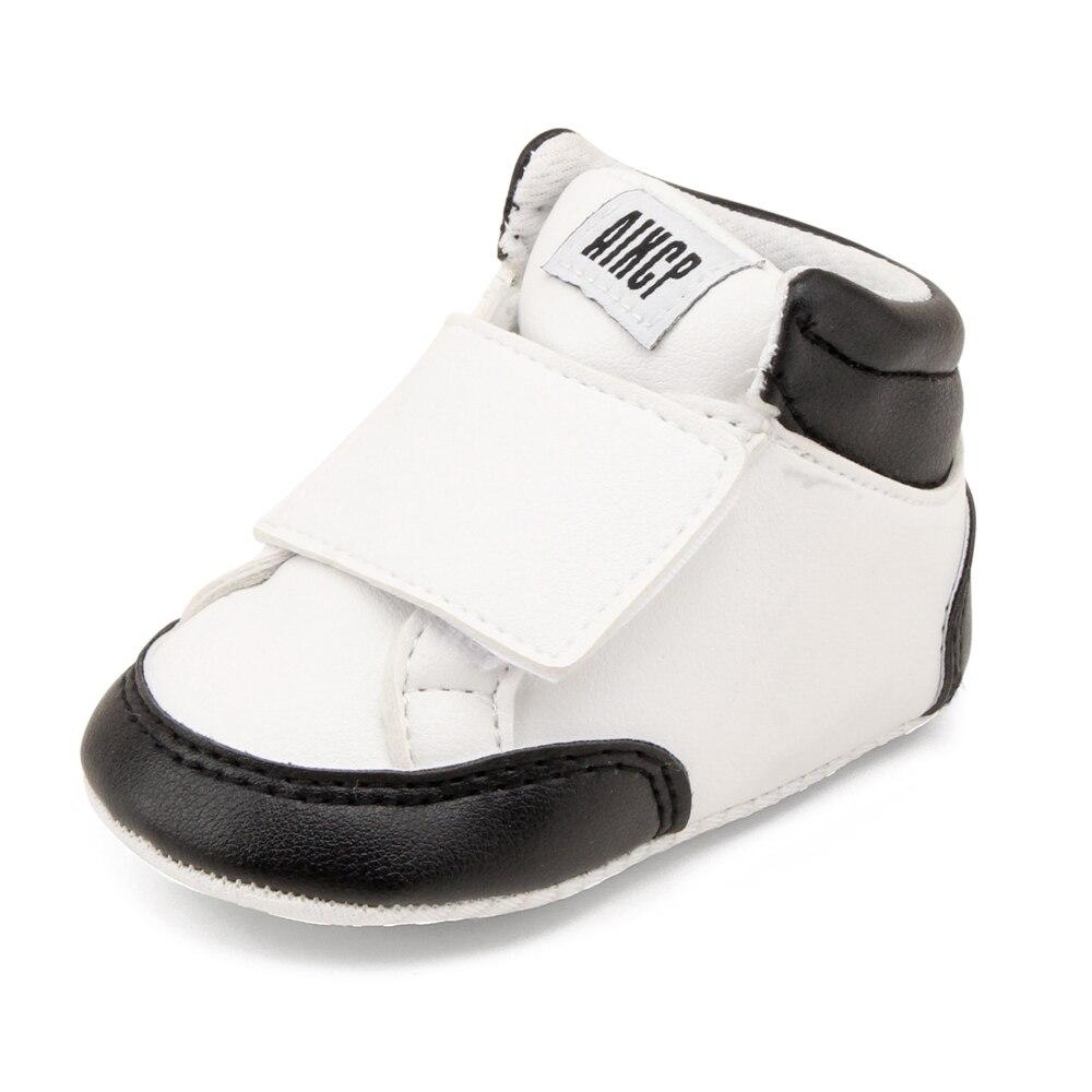 Купить с кэшбэком Delebao Autumn Fashion Style Baby Shoes No Odor PU Butter 0-18 Months Single Hook & Loop Non-slip Bottom First Walkers Wholesale