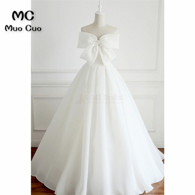 875da32394f3 New 2018 Simple Wedding Dresses Long Sweetheart Sweep Train Lace Up Back Wedding  Dress Ball Gown Bow Bridal Gown