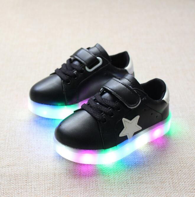 fd824b7d70d0b Retail shoes with light 2017 autumn baby boys girls shoes chaussure led  enfant child breathable sneakers young EU21 30-in Sneakers from Mother   Kids  on ...