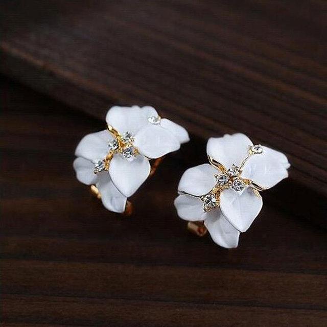 IPARAM Crystal Gardenia Earrings With Buckle Fashion Retro Jewelry 1.9 Cm X  1.5 Cm
