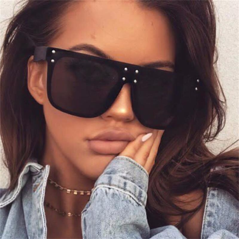 New Flat Top Sun Glasses Oversized Goggles Mens Square Sunglasses Women Fashion Famous Brand Rivet Black Eyewear Gafas De Sol