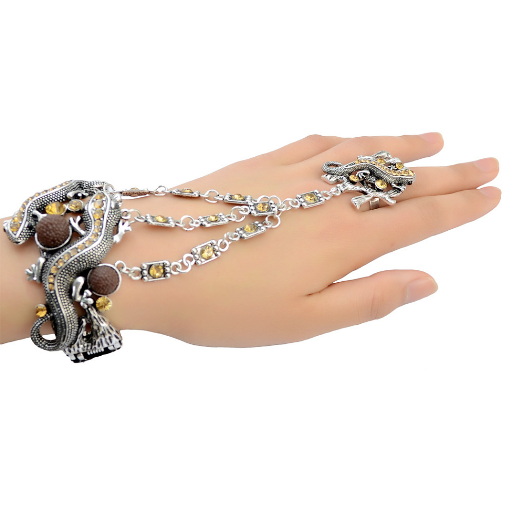 Punk 3 Colors Retro Silver Fashion Rhinestone Charms Bracelets Bangles With Lovely Small Gecko Shaped Unique Wrap Cuff Bracelet цена 2017