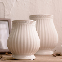 SIBAOLU Wedding White Ceramic Vase Modern European Artificial Flower Vase Dry Flowers.Small Tabletop Vase for Wedding Decoration