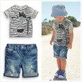 2017 мальчиков летней одежды набор детей одежда мальчиков одежда детская с коротким рукавом футболка + джинсовые шорты бесплатная доставка