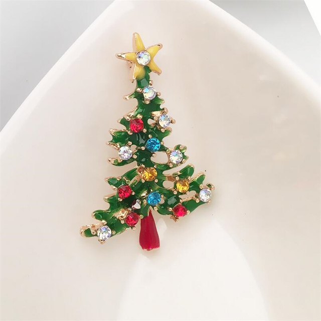 CHICDREAM Christmas Tree Green Enamel Brooches Pins For Women Zinc Alloy  Colorful Crystal Rhinestone Brooches Jewelry 7f257512d855