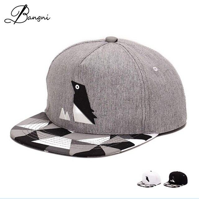 2017 Nueva Gorra de Béisbol Del Snapback Patrón Pingüino Precioso Sombrero  Para hombres Mujeres Gorras Hueso d2ab54fe8ff