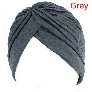 Image 3 - נשים אלסטי נמתח בימס כובע בנדנות הגדול סאטן מצנפת חיג אב כובע כובע עבור Musleim נשים מוצק צבע מוסלמי טורבן כובע 1PCS