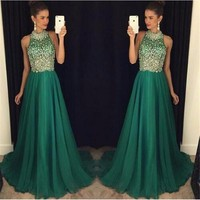 Halter Emerald Green Luxury Rhinestone Beaded 2017 Long Formal Evening Party Dresses Vestidos Elegantes Homecoming Prom