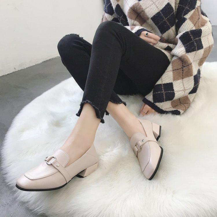 Casual Nouveau Noir En Confortable allumette brown Chaussures De Et Lumière Britannique Tout Femme Petit beige Mode Cuir Style Brillant Noir TawXBB
