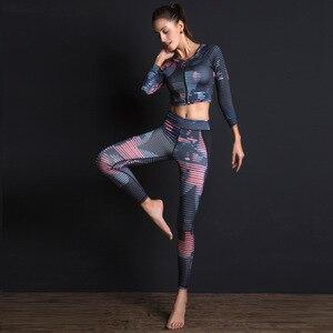 Image 1 - Kadın spor takım elbise baskı spor seti elastik ince spor giyim nefes Yoga seti 2 adet spor T shirt spor tayt eşofman