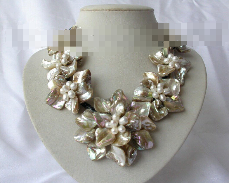 FREE SHIPPING>>>@@ > <font><b>0682</b></font> classic white baroque freshwater pearl shell flower leather necklace image