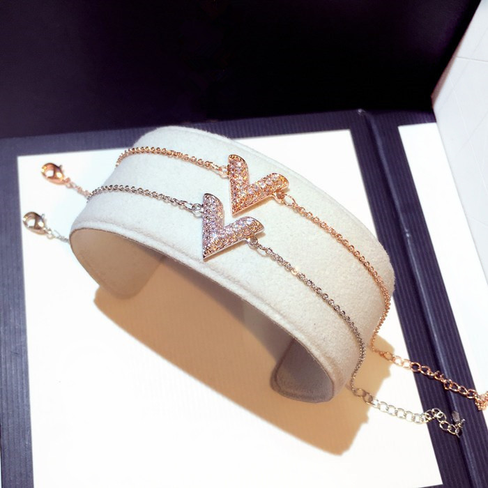 Romantic CZ Zircon V Letter Bracelets Women Dazzling Gold Silver Color Charm Bracelet Fashion Geometric Triangle Bangles