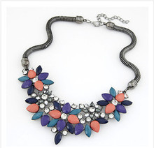 2014 New Fashion Jewelry 3 Colors Vintage Flower Rhinestone Crystal Statement Necklace Necklaces & pendants For Woman Gift HT90