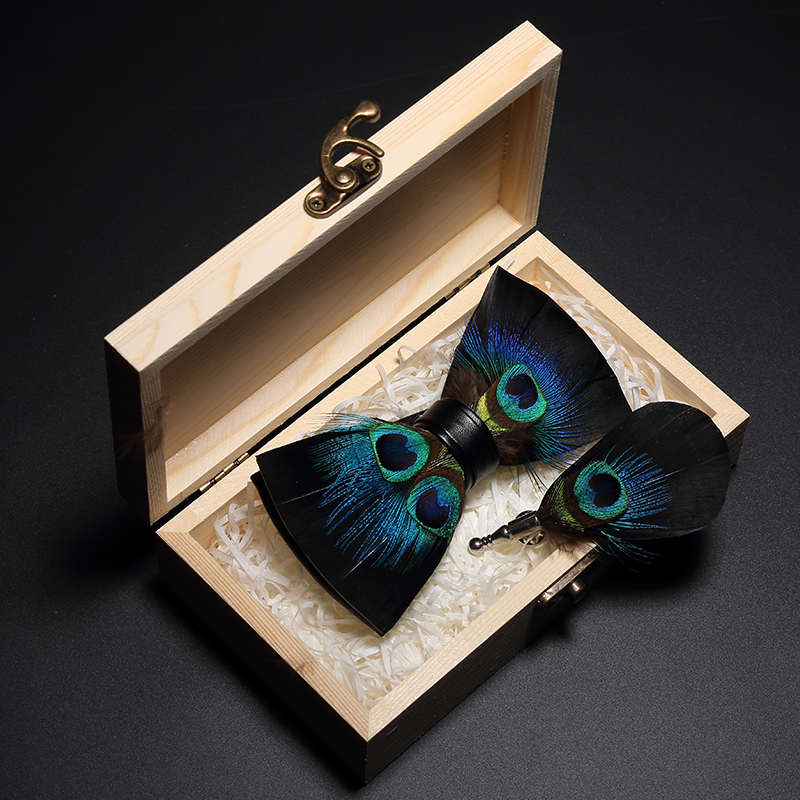 JEMYGINS Original Design Bow Tie Peacock Feather Bow Tie Handmade Leather Bow Tie Brooch Wooden Box Wedding Party Gift