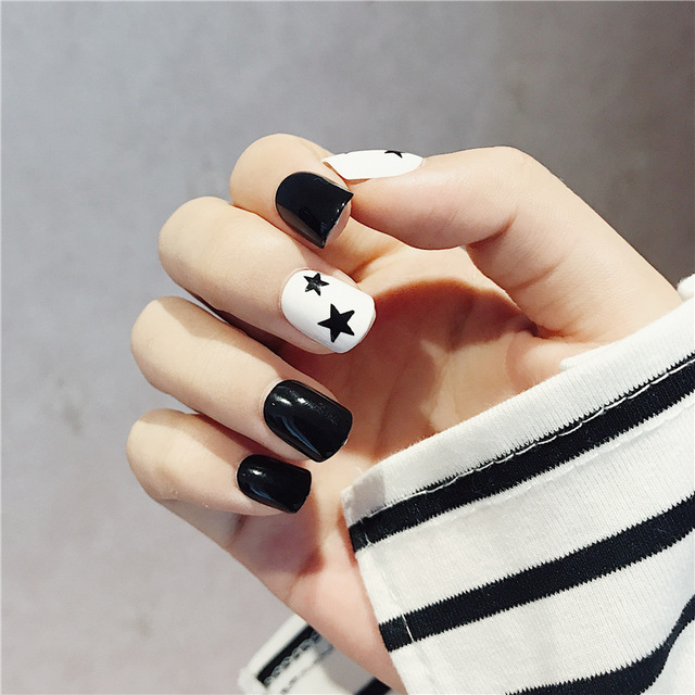 24pc Simple Black White False Nails Little Star Design Short Square Full Cover Acrylic Nail Art