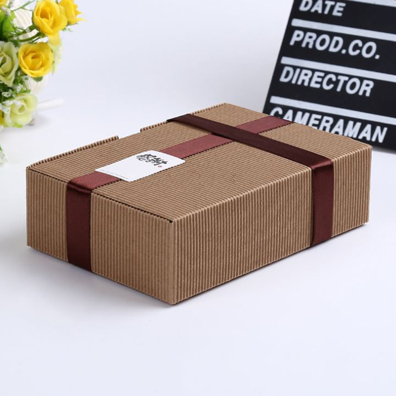 cheap paper boxes Kraft paper box material which is obtained from pine wood pulp is used in the manufacture of different sorts of kraft boxes these boxes are remarkable for their strength and permanence the most popular categories of kraft boxes include food, cosmetic, soap, gift and jewelry ones.