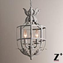 Artículo Retro de la réplica Acanthus linterna colgante jaula de Metal candelabro de tres luces envío gratis