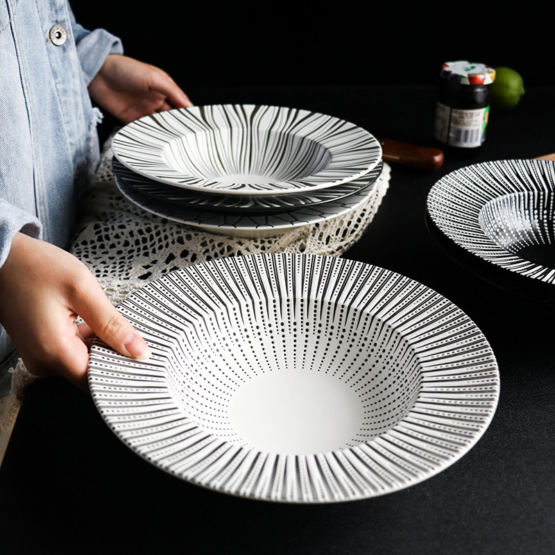 1pcs Ceramic Western Deep Plate Rice Bowl Salad Pastal Dishes Western Food Tableware Creative Black And White Straw Hat Plates