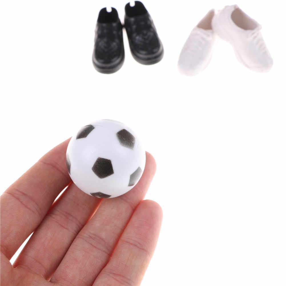 ใหม่ล่าสุด 2018 ตุ๊กตารองเท้ารองเท้าผ้าใบและฟุตบอลสำหรับเพื่อน Ken ตุ๊กตาของขวัญของเล่นตุ๊กตาอุปกรณ์เสริม