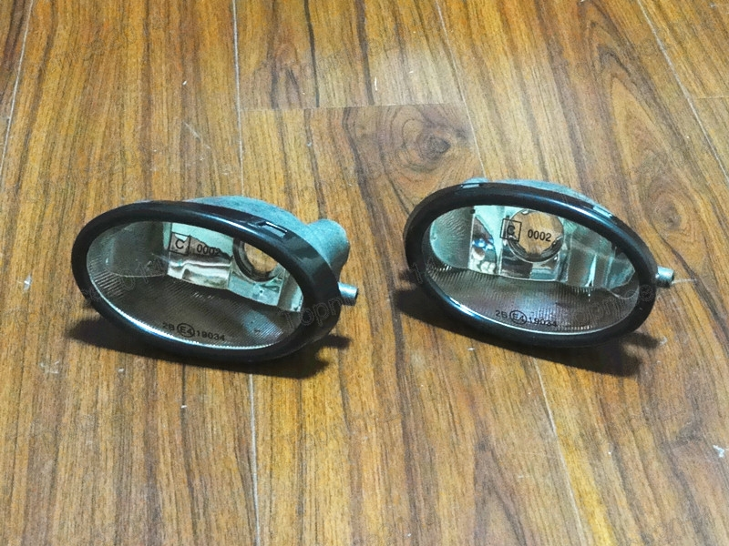 1Pair Auto Car LH RH Front Bumper Fog Lights Driving Lamps W/O Bulbs For Honda Accord 4door 1998-2002