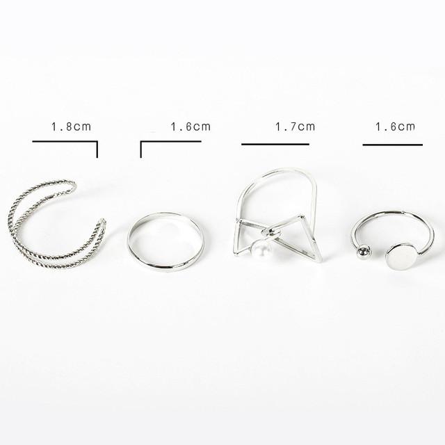 Elegant Vintage Triangle Silver Color Midi Ring