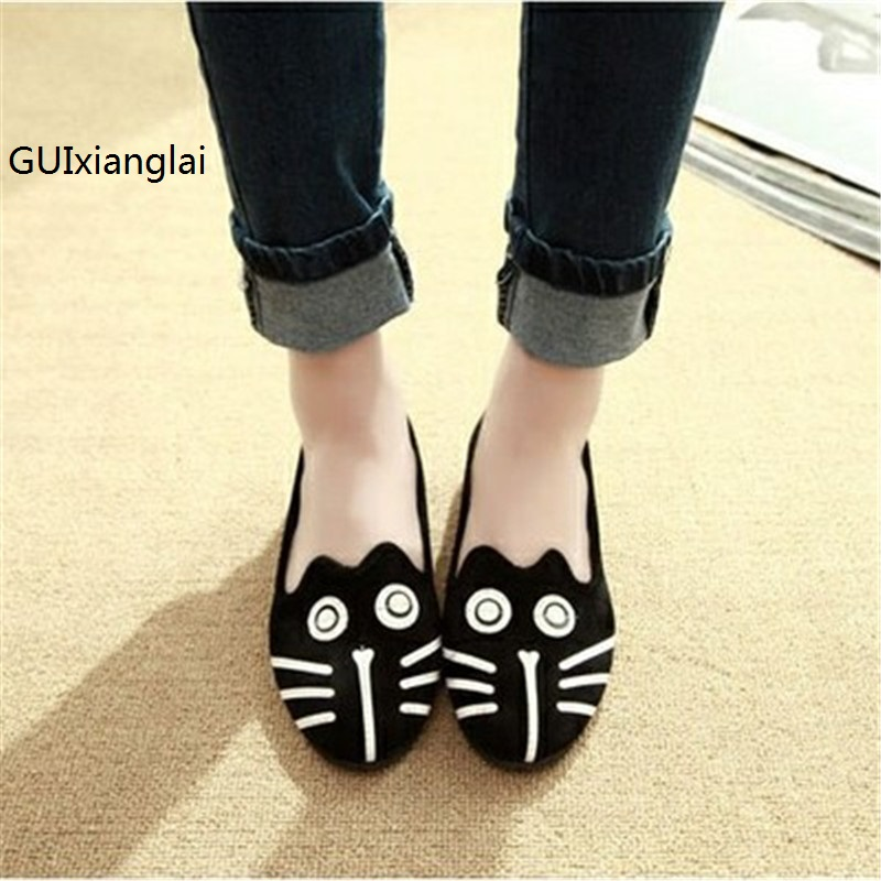 2017 new fashion Europe style the cartoon dog and cat shoes Round head flat documentary shoes plus 35-41 free shipping. 2017 new style europe