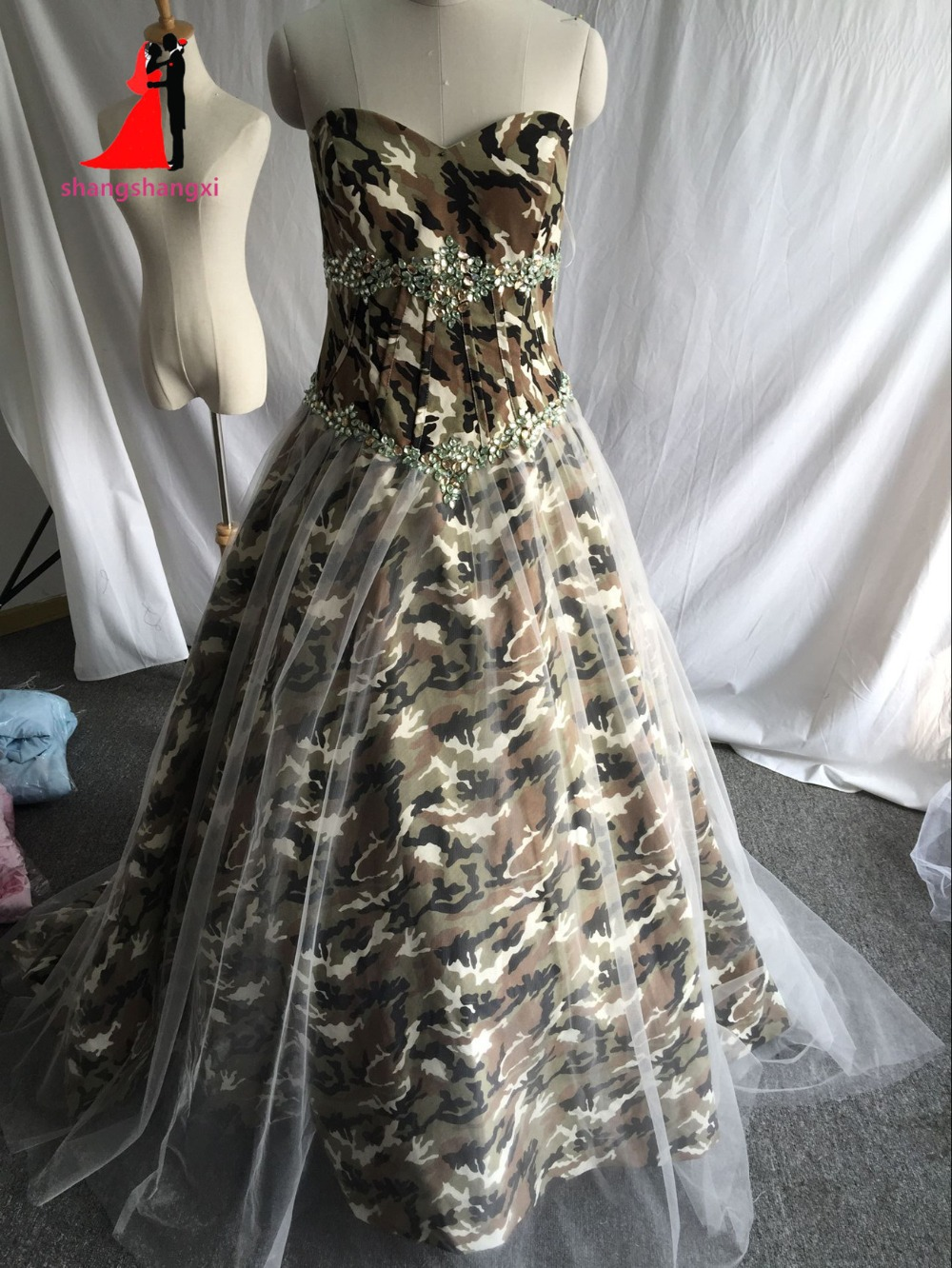 Stock Real Pictures Camouflage font b Wedding b font Dresses 2017 Sweetheart Camo Beads Long Prom