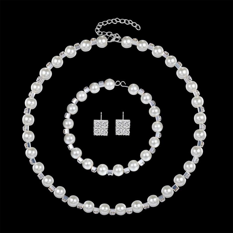 Ensemble de Bijoux en Cristal pour Femmes Boucles dOreilles Pendantes Bracelet Ras de Cou de Mariage en Strass