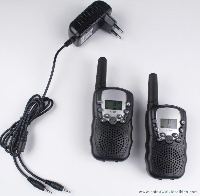 2 stücke walkie talkies T388 PMR446 mobilfunk communicator VOX FRS/GMRS talkie funkgeräte led-taschenlampe + EU oder UNS ladegerät stecker