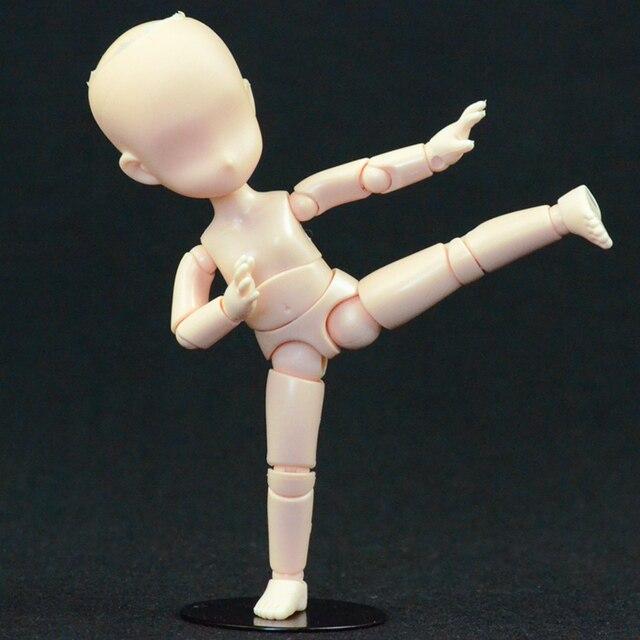 Q versione del cartone animato art schizzo bambola modello del