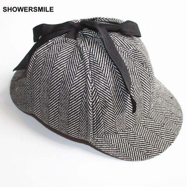 SHOWERSMILE de Sherlock Holmes Deerstalker sombrero accesorios Unisex  hombre mujer sombreros de invierno con orejeras gorra 7d6bef5cf66