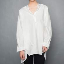 LANMREM 2018 New Fashion Autumn Back Button Decoration Loose Full Sleeve Turn Down Collar Simple White Shirt Women UA34400