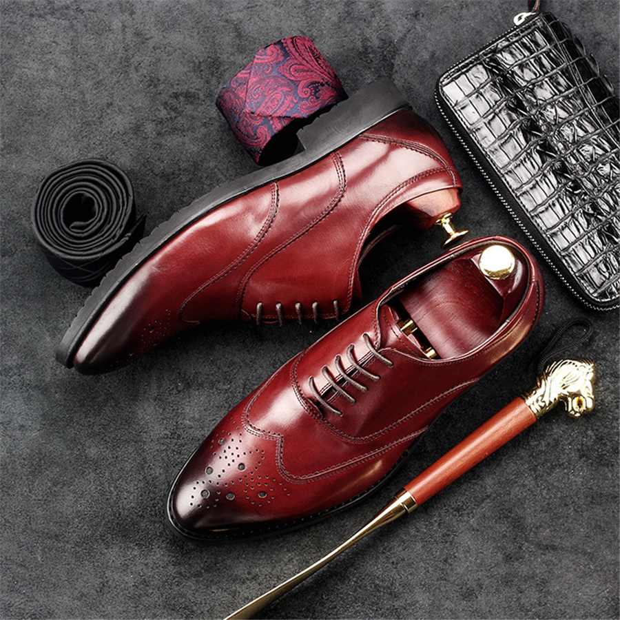 100% Genuine cow leather brogue Wedding shoes mens casual Carving flats shoes vintage handmade oxford shoes for men black red100% Genuine cow leather brogue Wedding shoes mens casual Carving flats shoes vintage handmade oxford shoes for men black red