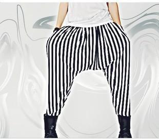 HOT 2017 Nova Verão soltas harem pants listra preto e branco calças low-rise calça plus size roupas hairstylist boate trajes