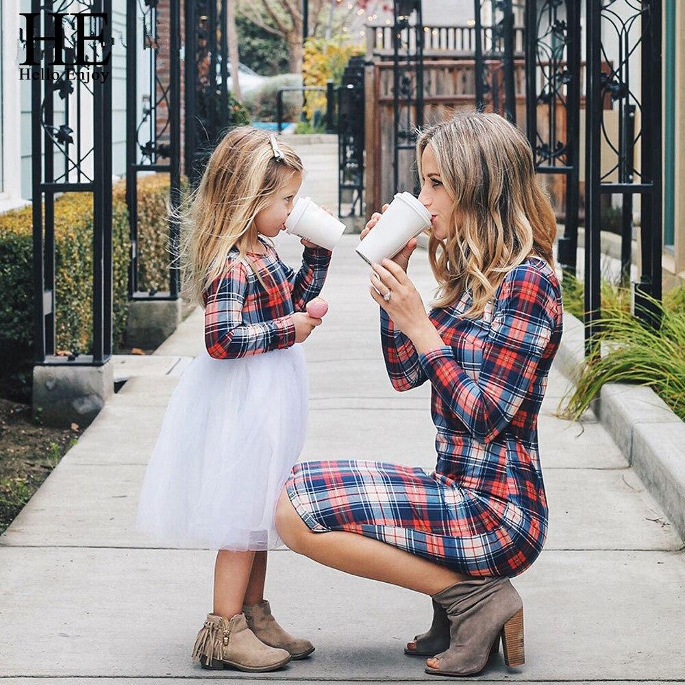 ER Hallo Genießen Mutter Tochter Kleider Frühling Herbst 2018 Passenden Outfits Mütter Und Mädchen Kleidung Lange Hülse Plaid Familie Kleid