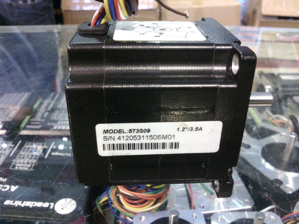New 3-phase hybrid stepper  motor 573S09 Current /phase 3.5A Holding Torque 0.6N NEMA 23 CNC stepper motor  цена и фото