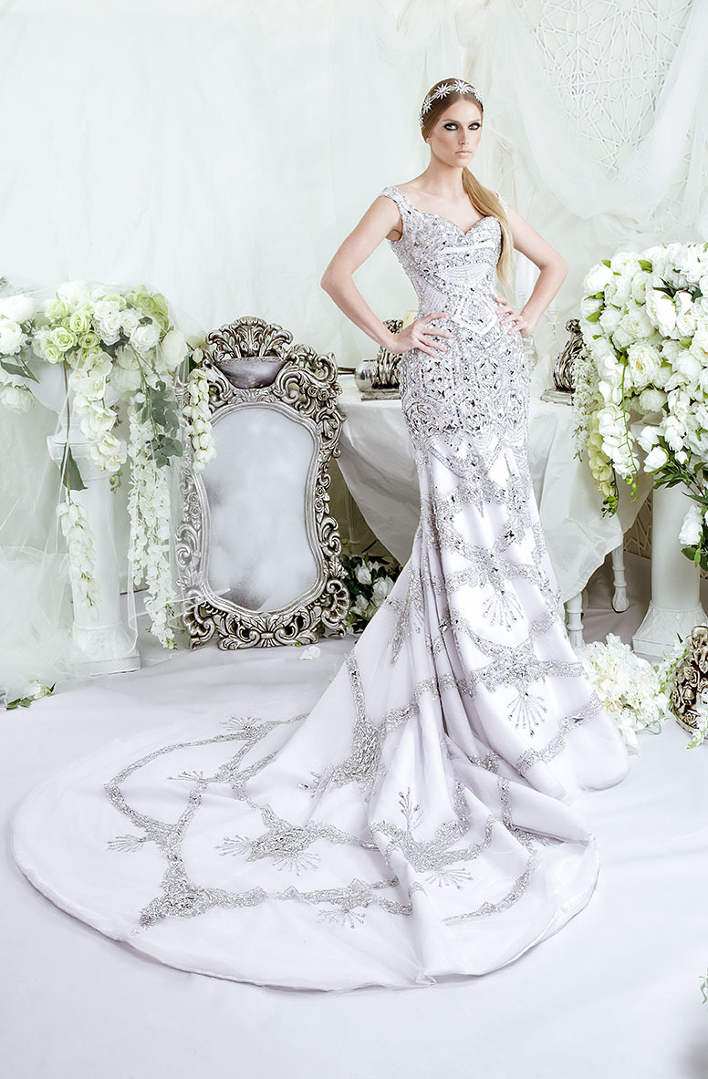 Buy luxury design rhinestone wedding for Crystal design wedding dresses price