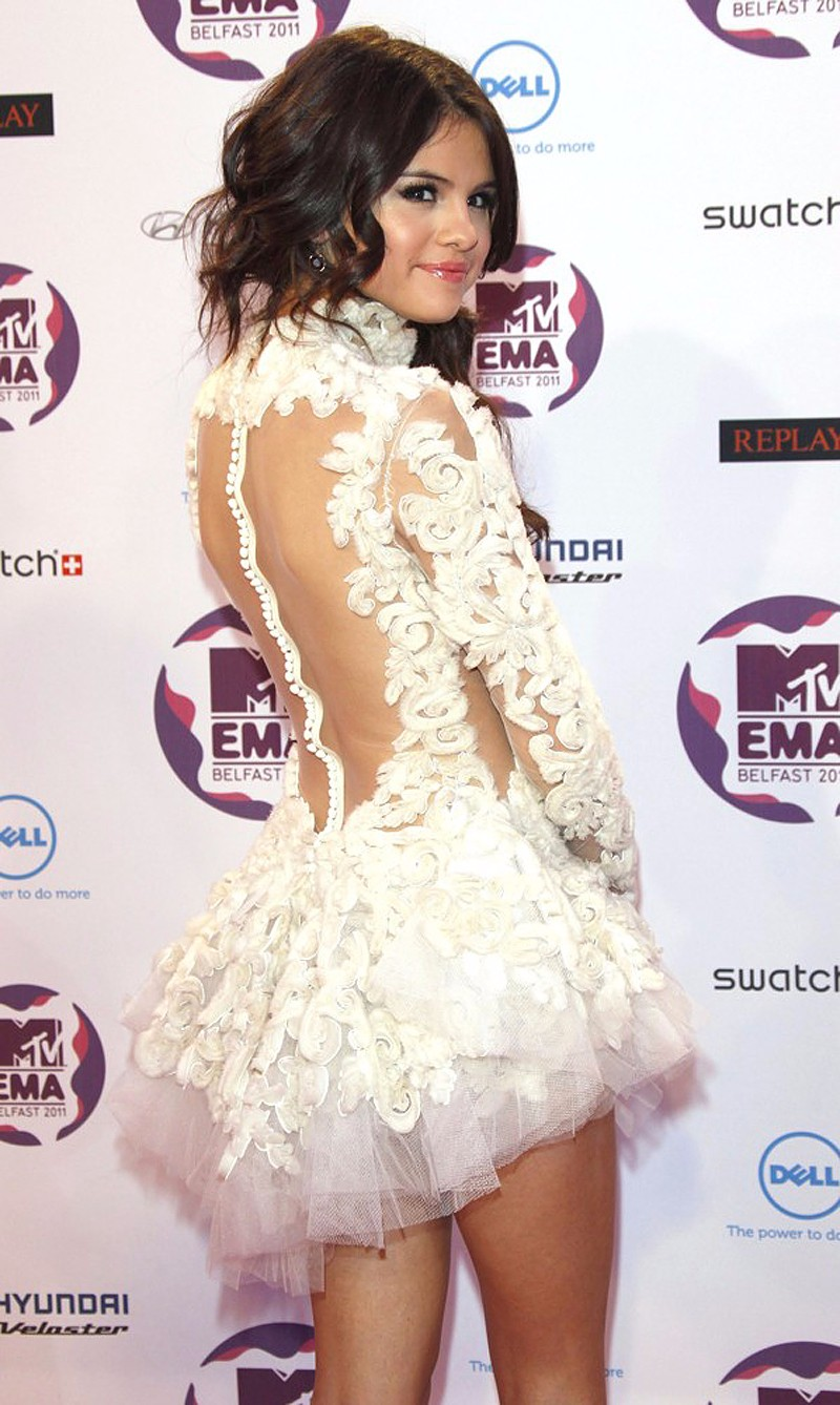 Selena-Gomez-Dress-2015-New-Red-Carpet-Dresses-Short-White-Party-Dresses-Mini-Evening-Dress-Long (3)
