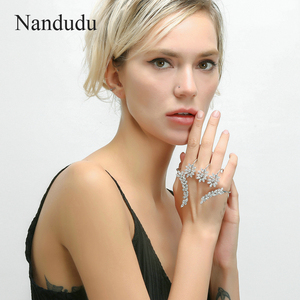 Image 2 - Nandudu Nizza Zirkonia Palm Armband Weiß Gold Farbe Hand Manschette Mode Armreif Schmuck Frauen Mädchen Geschenk R1116