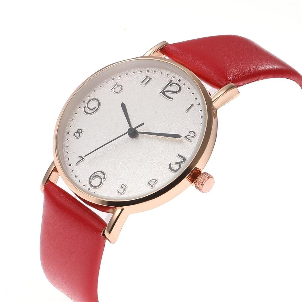 Relógio Feminino com Pulseira de Couro Quartz Analógico 12
