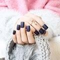 2016 de La Moda Europea de Metal Esmerilado Clavo Falso Acabado Completo Corto Azul de La Cubierta Completa Falsas Uñas Tips nail Art Decoración 24 unids/pack