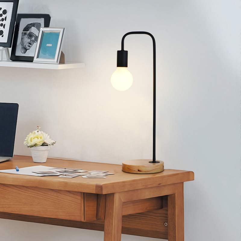 ФОТО Desk Solid Wood Lamp Nordic Style  Modern Bedroom Personality Bedside Lamp 220V Simple Decorative Lights E27 Iron / Wooden