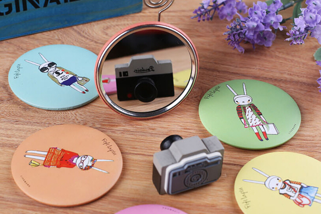 1 PCS Mini Cute Cookie Shaped Design Table Makeup Mirror Small Pocket  Mirrors on Vacation