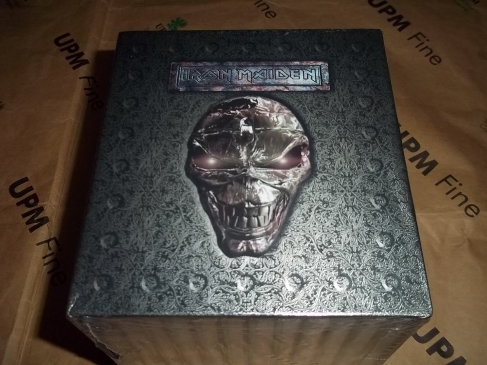 NEW~ Iron Maiden Complete 12 Albums 15 CD Full Box Set Chinese Factory Sealed  Version Heavy Metal CD cd диск iron maiden the final frontier 1 cd